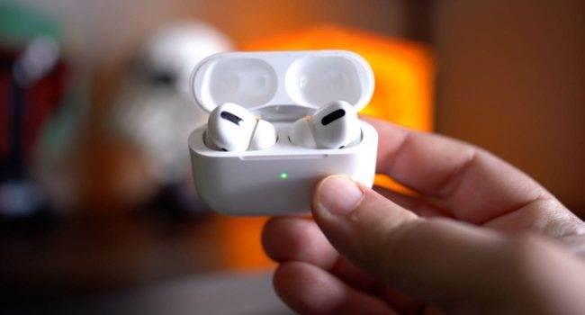 Apple zaprasza do bezpłatnej naprawy AirPods Pro ciekawostki przedluzona gwarancja airpods pro, program wymiany airpods pro, darmowa wymiana airpods pro, bezplatna naprawda airpods pro, airpods pro trzeszcza, AirPods Pro  Firma Apple po cichu przedłużyła program bezpłatnej naprawy AirPods Pro do 2023 roku. Jest to świetna wiadomość dla użytkowników bezprzewodowych słuchawek firmy Apple. AirPodsPro 650x350