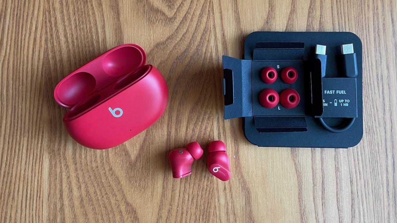 Słuchawki Beats Studio Buds oficjalnie zaprezentowane polecane, ciekawostki Wideo, polska cena, Beats Studio Buds, Beats  Dzisiaj, 14 czerwca, Apple oficjalnie zaprezentowało nowe bezprzewodowe słuchawki Beats Studio Buds z aktywną redukcją szumów. beats 1