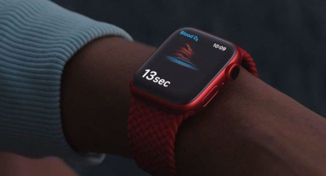 Naukowcy sprawdzili dokładność działania pulsoksymetru w Apple Watch Series 6 ciekawostki saturacja, pulsoksymetr w apple watch, poziom tlenu we krwi, poziom tlenu, jak dokladny jest pulsoksymetr w apple watch, Apple Watch Series 7  Naukowcy z Uniwersytetu São Paulo w Brazylii porównali działanie pulsyksometru w Apple Watch Series 6 z kilkoma komercyjnymi pulsoksymetrami używanymi w szpitalach. AppleWatch 1 650x350