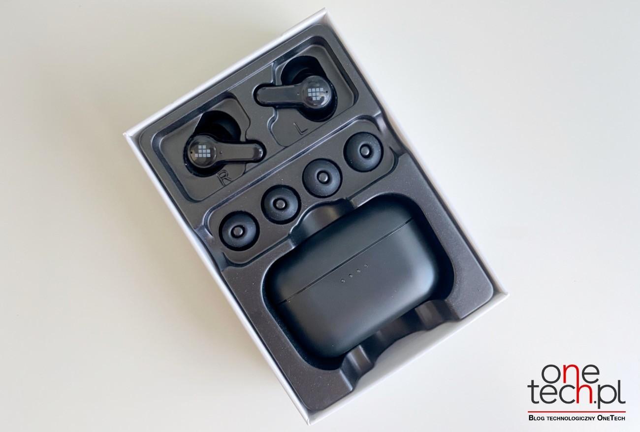 Tronsmart Onyx Apex - bezprzewodowe, niedrogie douszne słuchawki z ANC recenzje, ciekawostki Tronsmart Onyx Apex recenzja, Tronsmart Onyx Apex, słuchawki, bezprzewodowe słuchawki Tronsmart Onyx Apex  Posiadanie dobrych słuchawek z ANC, które izolują Cię od zewnętrznego hałasu, jest dziś niezbędne. Dlatego chcemy przedstawić Wam i polecić Tronsmart Onyx Apex - bezprzewodowe i kompaktowe słuchawki douszne z ANC. apex 5