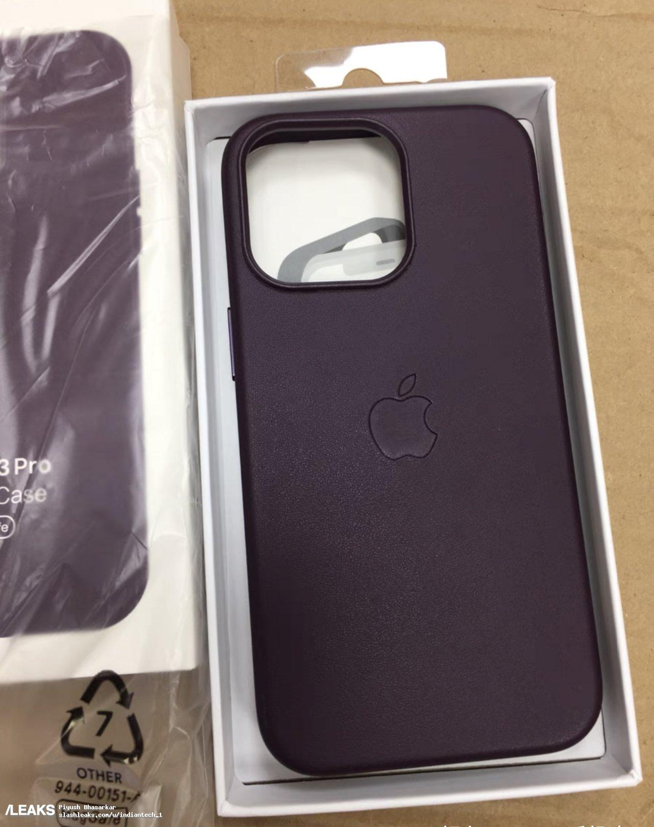 W sieci pojawiły się zdjęcia oryginalnych etui Apple do iPhone 13 ciekawostki silikonowe etui firmy apple, silikonowe etui do iphone 13, iPhone 13 Pro, iPhone 13, Apple  Serwis Slashleaks opublikował nowe zdjęcia silikonowych etui firmy Apple na smartfony z linii iPhone 13. Zobaczcie je wszystkie już teraz. iP13 etui 3
