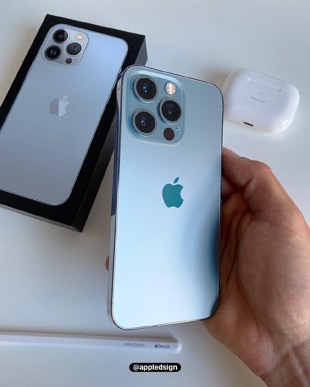 Nowy niebieski iPhone 13 Pro po raz pierwszy pokazany na zdjęciu na żywo ciekawostki niebieski iphone 13 pro, iPhone 13 Pro  Na początku tego tygodnia Apple zaprezentowało światu smartfony iPhone 13, mini, iPhone 13 Pro i 13 Pro Max, które już dziś będą dostępne w przedsprzedaży.  ip13Pro